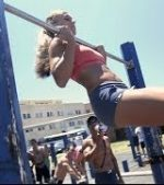 Fit-Chicks-of-Bondi-Pull-Up-Comp-Bondi-Beach-Bar-Brutes