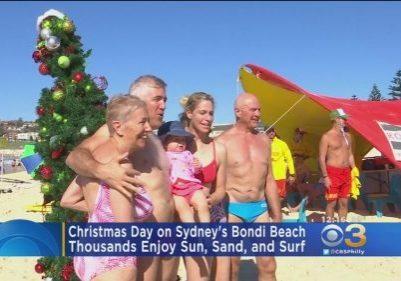 Thousands-Celebrate-Christmas-Day-On-Sydneys-Bondi-Beach